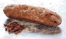 Petits pains aux raisins à la machine à pain